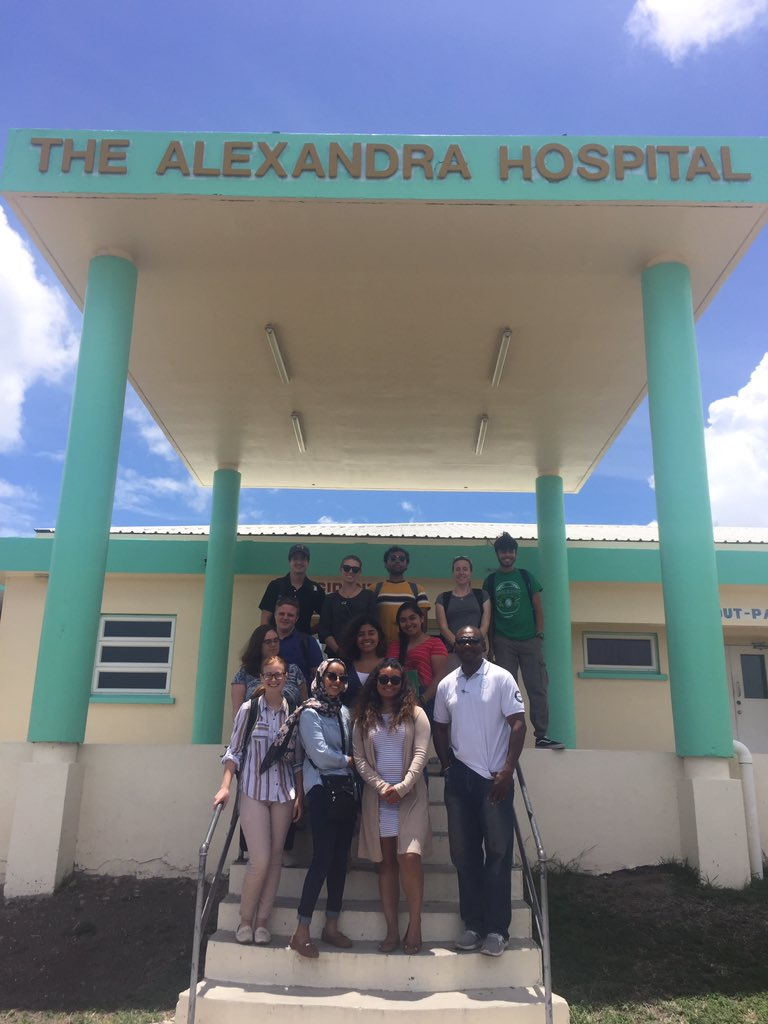 UIC students visiting the Alexandra Hospital on the Disaster Preparedness and Global Health in the Caribbean program, led by Professor Gwyneth Milbrath.